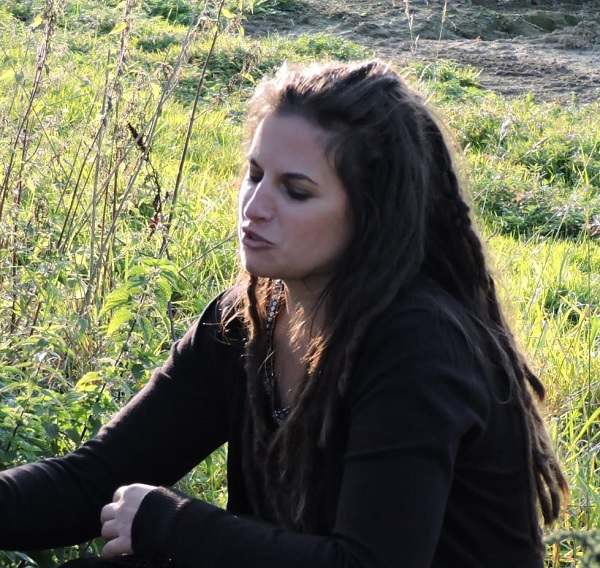 Julie Louer, comportementaliste et éducateur canin